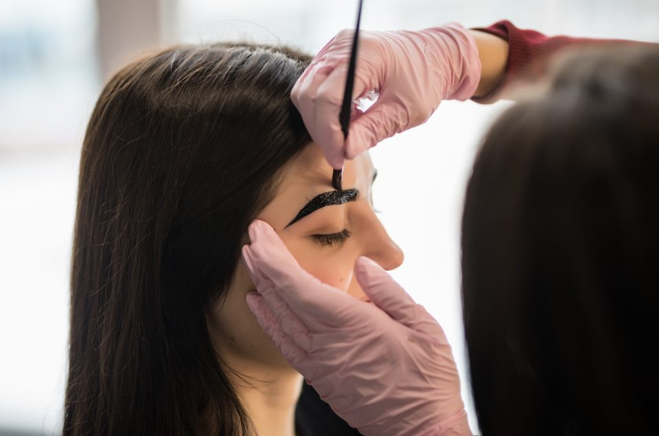 What Are Henna Brows And How Does It Work?