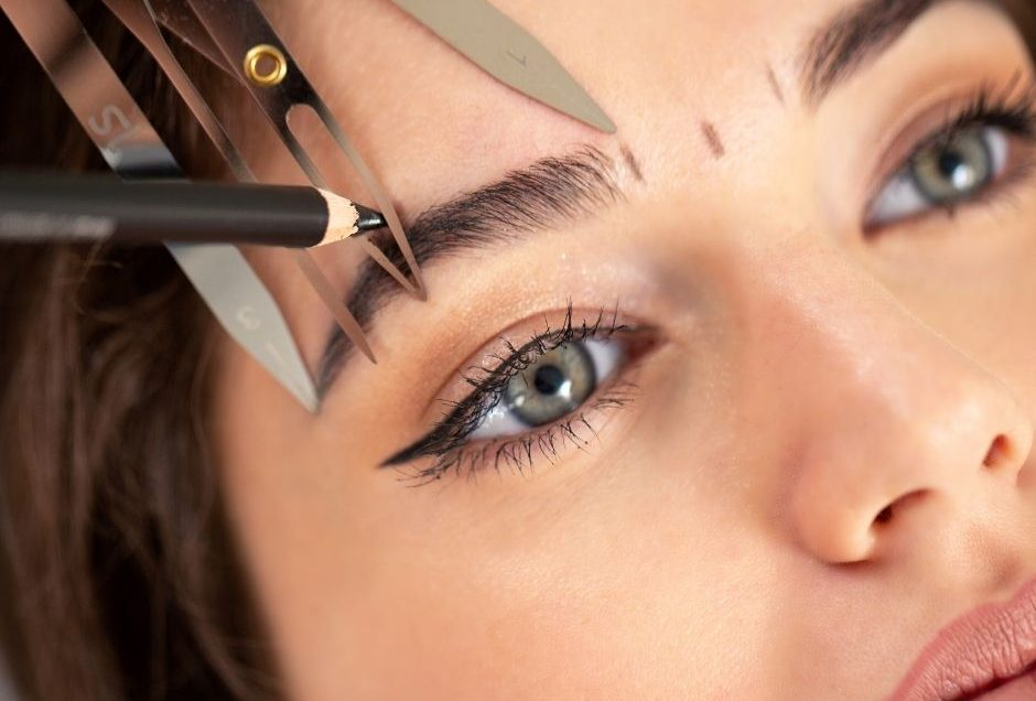 Top 8 DIY Brow Tips From A Brow Artist You'd Be Crazy Not To Take